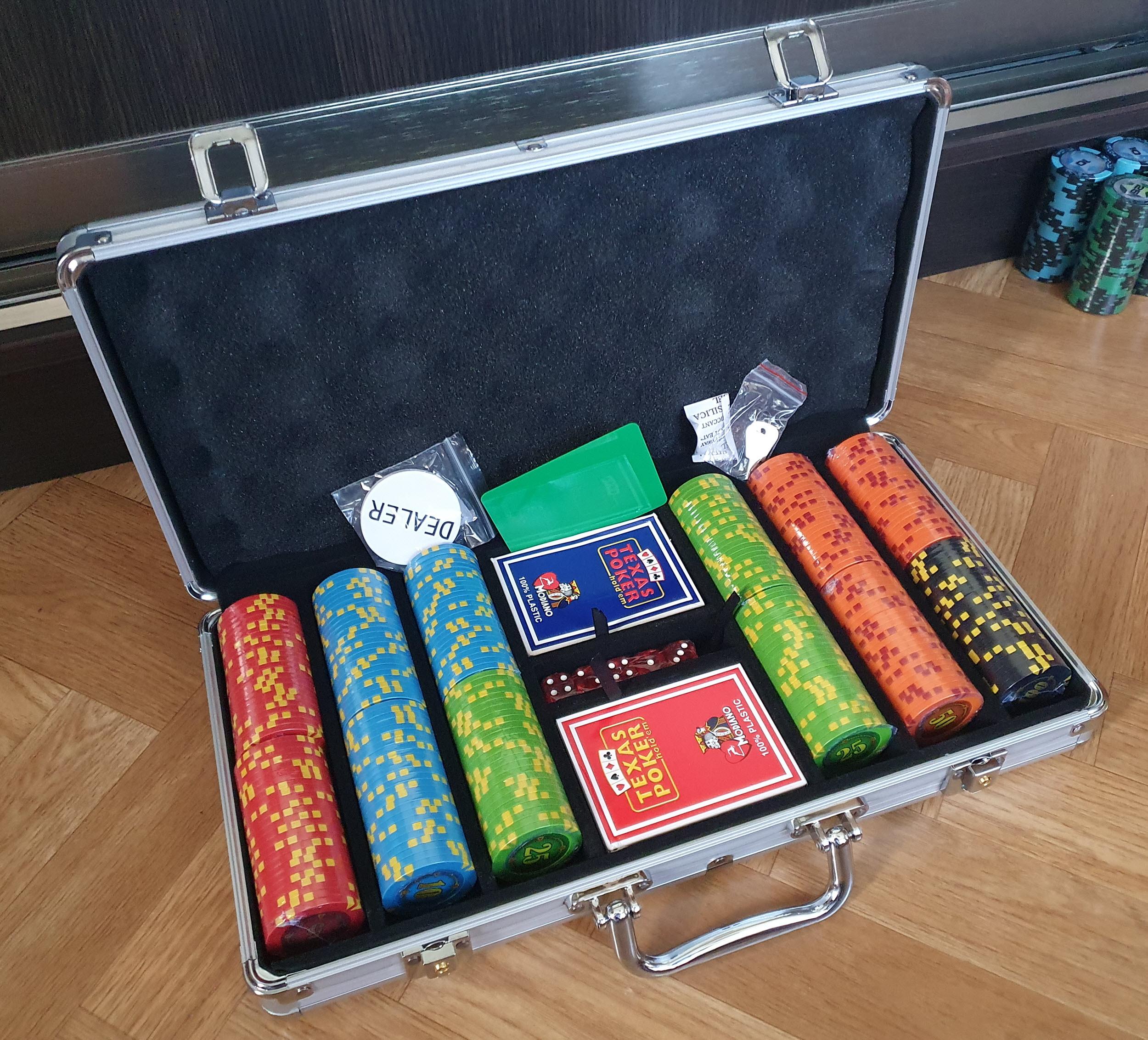 Покерный набор в город Львов Compass 300 фишек