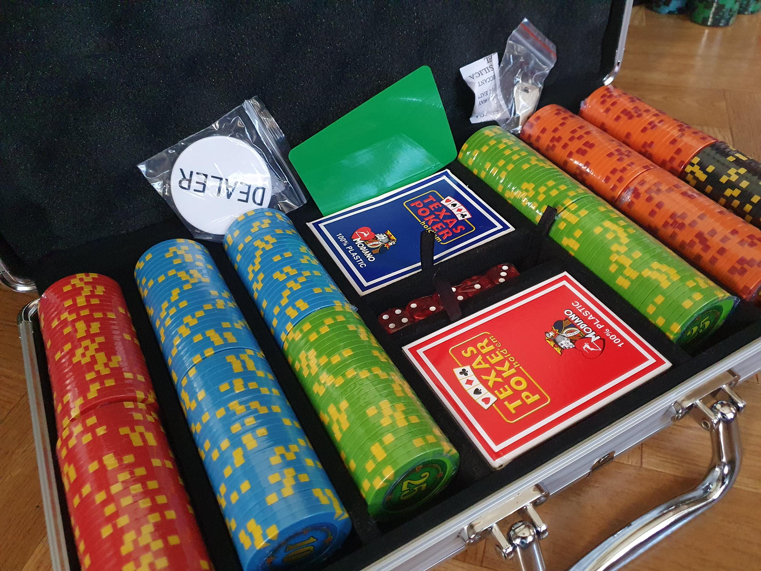 Покерный набор в городе Львов Compass 300 фишек купил Павел