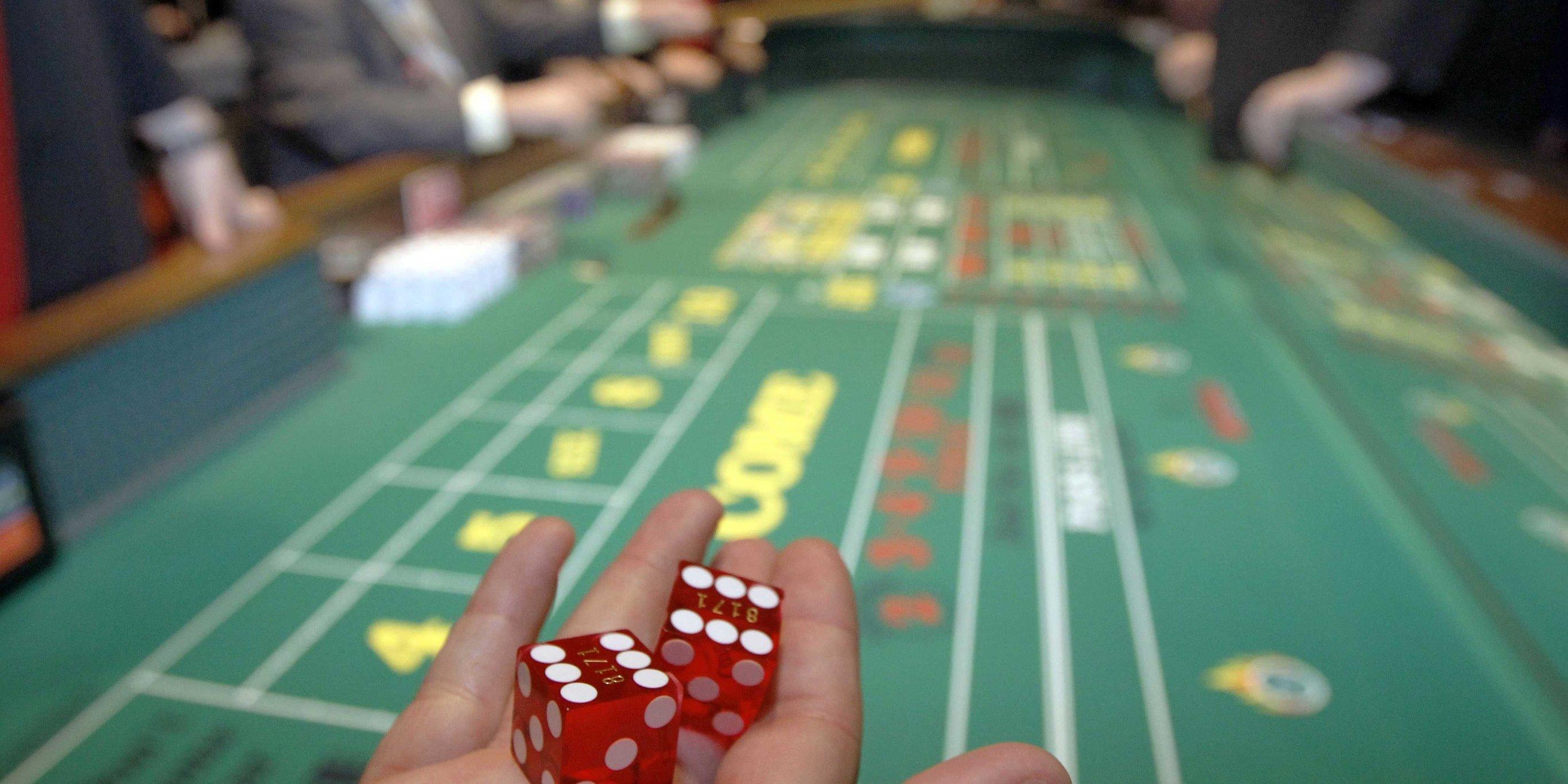 Как играть в казино на кубиках скачать онлайн казино игровые автоматы